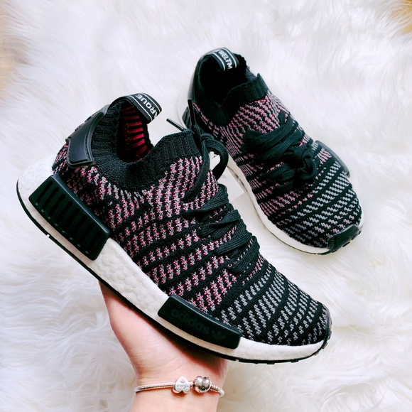 adidas Shoes - NWT Adidas Originals NMD R1 Primeknit Sneakers